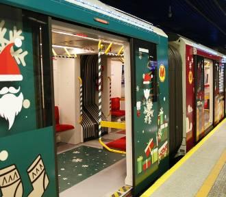 Świąteczne metro ponownie w Warszawie. Przyozdobione wagony ruszą w miasto 6 grudnia