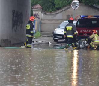Tarnów i region walczą z powodzią [ZDJĘCIA]
