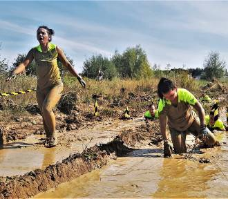Błoto, zasieki, woda. Ekstremalny bieg Run Fit Elite w Tarnobrzegu [ZDJĘCIA]