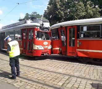 PILNE: Zderzenie dwóch tramwajów linii 26 w Mysłowicach. Są ranni
