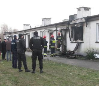 Tragiczny pożar w budynku socjalnym w Ostrowie Wielkopolskim [FOTO]