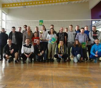 Turniej piłki siatkowej w Zapolicach [zdjęcia]