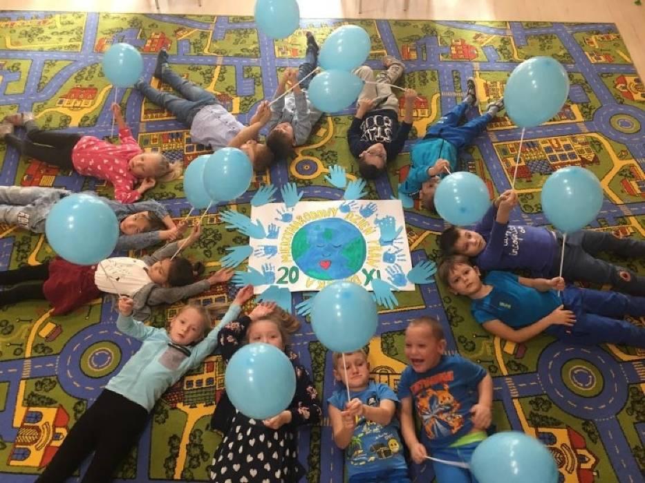 Przedszkolaki z Włoszczowy uroczyście uczciły Międzynarodowy Dzień Praw Dziecka [ZDJĘCIA]