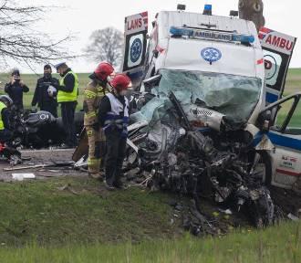 Dwie osoby straciły życie w wypadku niedaleko Bydlina