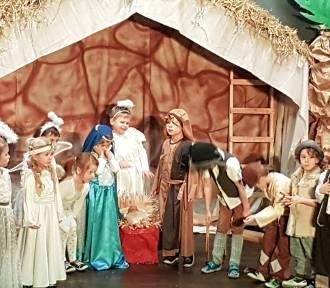 Jasełka w Baninie z życzeniami bożonarodzeniowymi