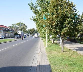 Nowe znaki przy rondzie w Skierniewicach, których nie widać