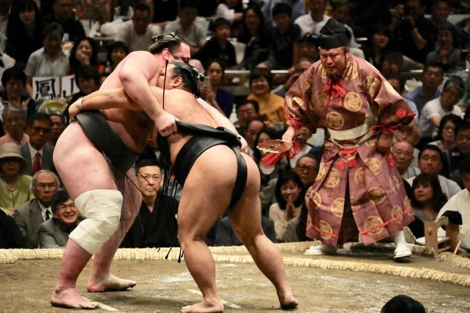 Japonia: zakaz udziału w zapasach sumoW Japonii obowiązuje specyficzny zakaz dla kobiet, związany z jednym ze sportów narodowych