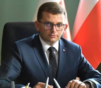 Nowy wojewoda małopolski Łukasz Kmita zakażony koronawirusem