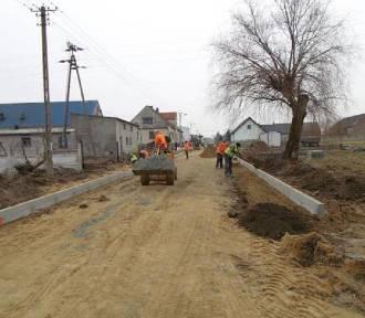 Firma Gembiak & Mikstacki wybuduje dwie drogi w Rozdrażewie za 627,7 tys. zł