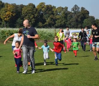 Ponad 400 dzieci w różnym wieku biegało w Turwi [FOTO]