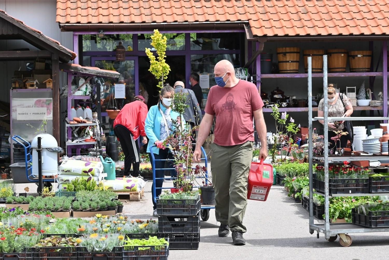 W sobotę, 23 maja, nie brakowało klientów centrach ogrodniczych w Kielcach i okolicy