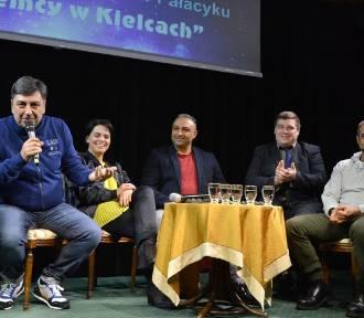 Paolo Cozza w Kielcach przepytywał... obcokrajowców