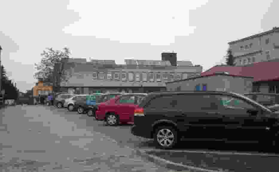 Parking przy szpitalu prawie gotowy