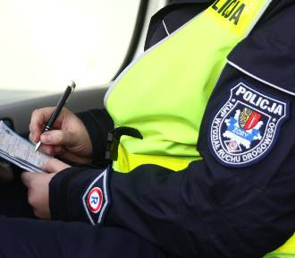 Policjanci zatrzymani w Żorach - znamy zarzuty. Chodziło o łapówki za wykroczenia drogowe [AKTUALIZACJA]
