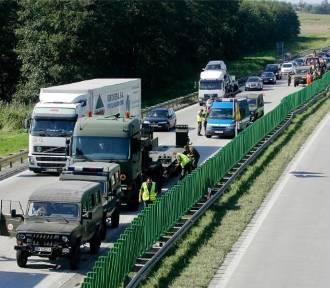 UWAGA. Wypadek amerykańskich ciężarówek na A4. Są utrudnienia