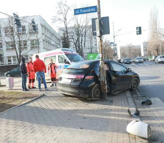 Wrocław. Dwa auta zderzyły się na ul. Zachodniej (ZOBACZ ZDJĘCIA)