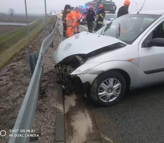 Wypadek na S8 koło Zduńskiej Woli [zdjęcia]