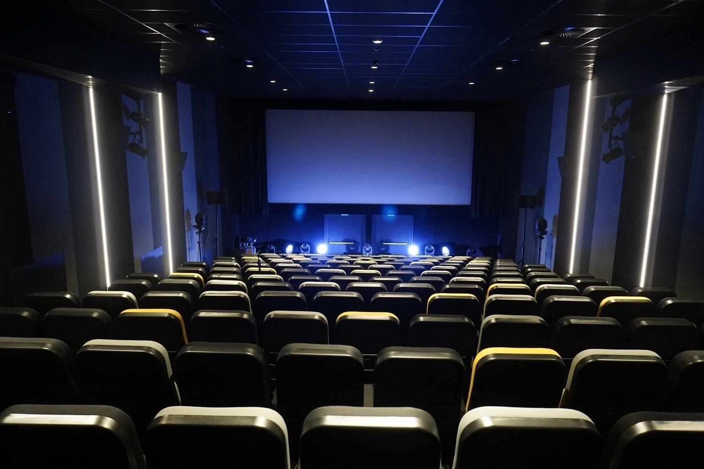 W Poznaniu można oglądać filmy na dużym ekranie w trzynastu kinach