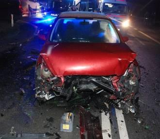 """Knybawa: wypadek na """"berlince"""". Kierowcy trafili do szpitala [ZOBACZ ZDJĘCIA]"""