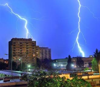 IMGW ostrzega w poniedziałek: najpierw upały, po 15.00 burze z gradem!