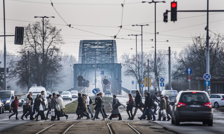 W czwartek o godzinie 9 drogowcy z firmy Balzola, która przebudowuje plac Rapackiego, zamkną zachodni pas  al