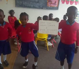 Szkoła Podstawowa nr 10 w Rumi prowadzi zajęcia on-line z Ugandą |ZDJĘCIA