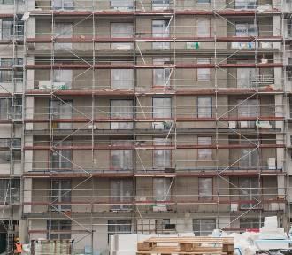 Firmy budowlane w długach, budowa coraz droższa. Ceny mieszkań też wzrosną?