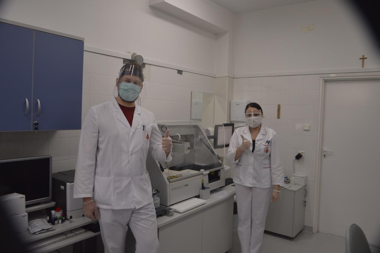 Aparatura już działa i pomaga analizować pobranie osocze