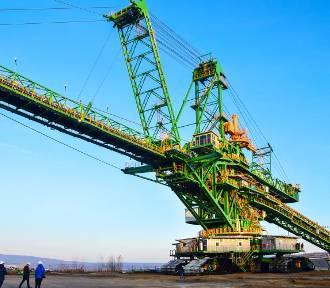 Gigantyczna zwałowarka będzie pracować w KWB Turów [ZDJĘCIA]