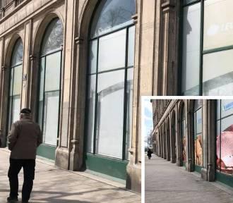 Kraków. Z nowohuckiej przestrzeni znikają nachalne reklamy. Ale nie wszystkie