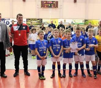 Gwardia Koszalin zwycięża w Halowym Turnieju Piłki Nożnej [ZDJĘCIA]