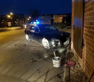Samochód uderzył w Bramę Kwidzyńską