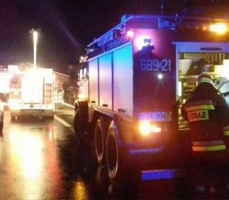 Piasek: Wypadek na DK1: Zderzył się samochód, motocykl i ciągnik rolniczy