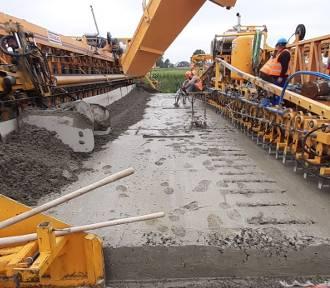 Najnowsze zdjęcia z placu budowy autostrady A1 koło Piotrkowa. UWAGA! Nowe utrudnienia