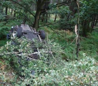 Tragiczny wypadek w Kobiórze na DK1. Zginęło dwóch młodych mężczyzn
