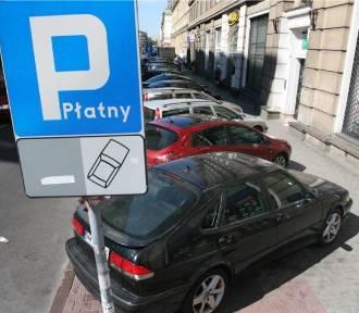 Warszawiacy wydają rocznie na parkowanie na mieście 5,6 mln zł