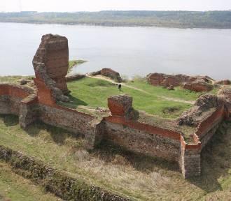 Cegły z zamku w Bobrownikach wykorzystano do budowy tężni w Ciechocinku [zdjęcia]