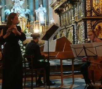 Muzyka dawna zabrzmiała u Cystersów w Jędrzejowie. Piękny koncert [ZDJĘCIA]