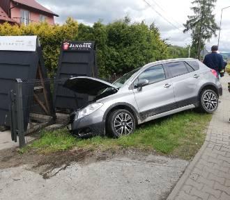 Wypadek na drodze wojewódzkiej w Maszkowicach