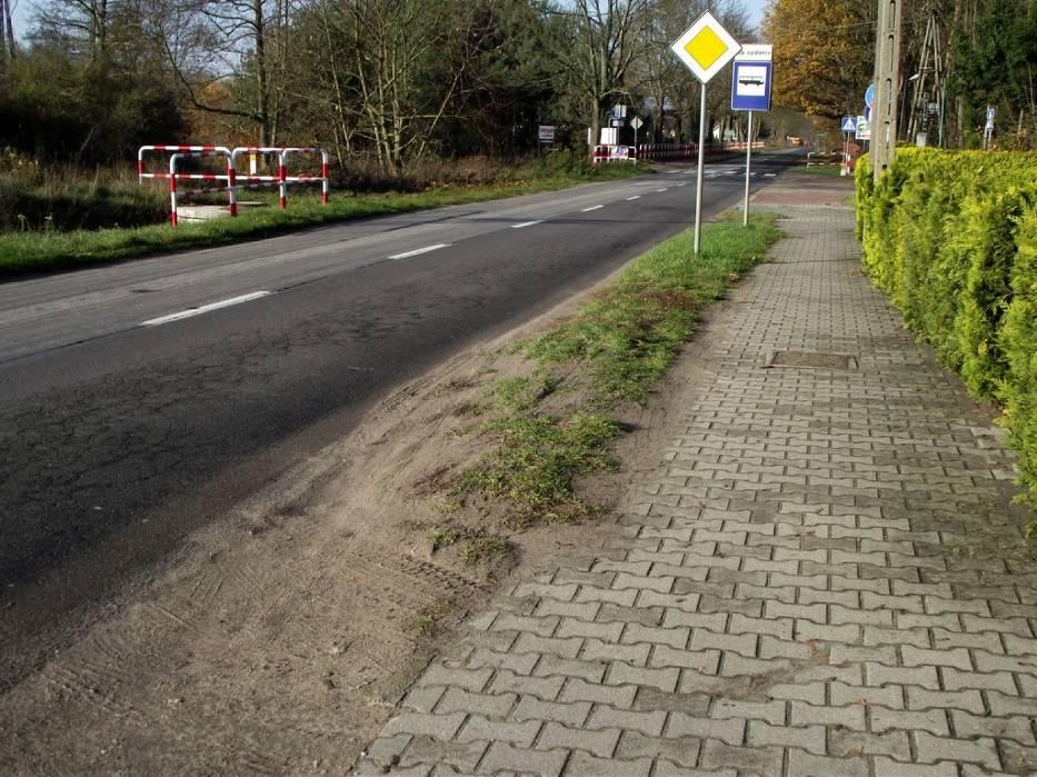 Tu zajdzie zmiana. Ruszyła budowa ściezki rowerowej Zbąszyń - Strzyżewo. Listopad 2019