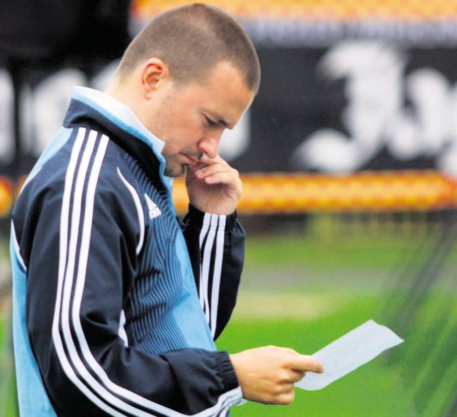 Rafał Ulatowski zastanawia się nad składem na pierwszy mecz