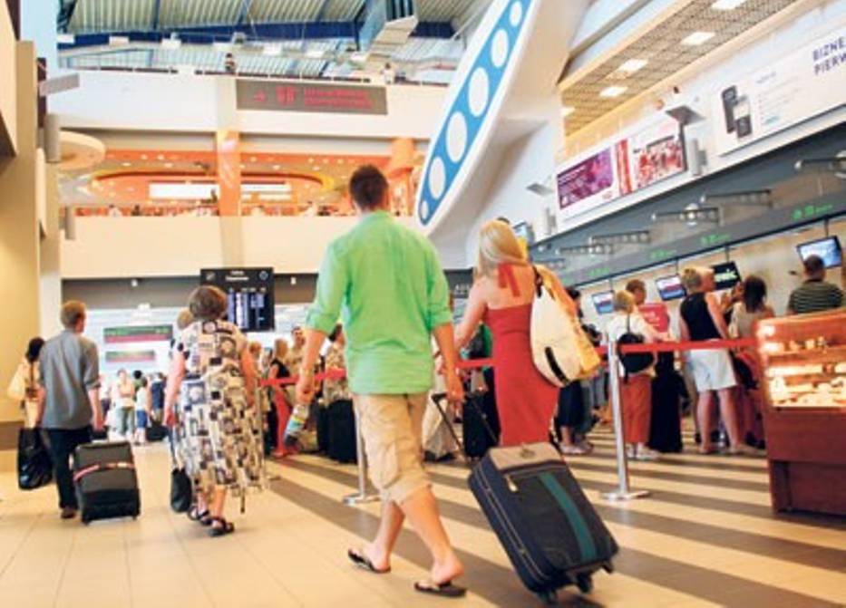 W lipcu z lotniska w Pyrzowicach skorzystało 300 tys