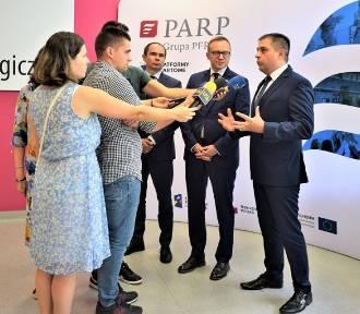 Puławy. Wiceminister inwestycji i rozwoju o platformach startowych i potencjale miasta