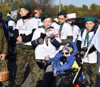 """Pruszcz Gdański: Harcerze """"Zośki"""" i zuchy z """"Bursztynków"""" kwestują na rzecz Pomorskiego Hospicjum"""