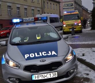 Potrącenie na ul. 3 Maja w Kartuzach. 34-letnia kobieta doznała niewielkich obrażeń  ZDJĘCIA
