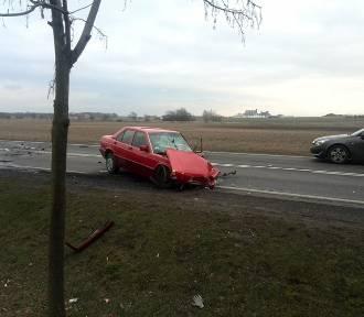 Wypadek w Ociążu: Trzy osoby ranne w karambolu [ZDJĘCIA]