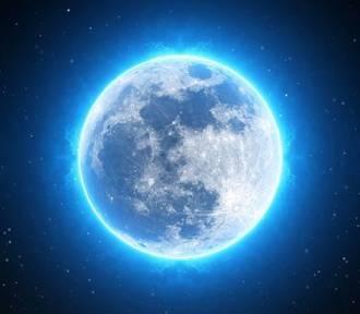 Niebieski Księżyc pojawi się na polskim niebie. Co to takiego? Kiedy go zobaczymy?