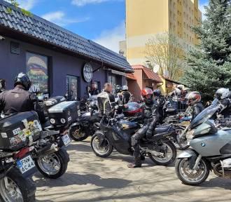 Kilkudziesięciu motocyklistów wyjechało z Nowej Soli na rajd patriotyczny