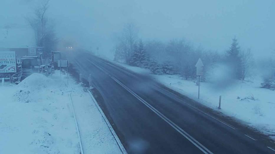 Widok z kamery drogowej w Rdzawce na zakopiance