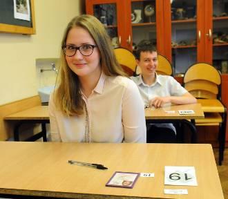 Egzamin gimnazjalny 2016: ARKUSZE CKE angielski poziom rozszerzony [ARKUSZE CKE, ZADANIA]
